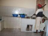 In der Küche des Kindergartens wird mittags für alle Kinder und Lehrer gekocht.